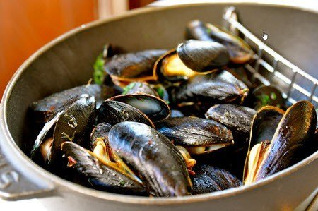 Robert Carrier's Mussels in White Wine